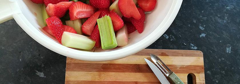 Qu'est-ce qu'on mange en mai - Compote rhubarbe fraise